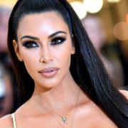 Kim kardashian la belle sorcière